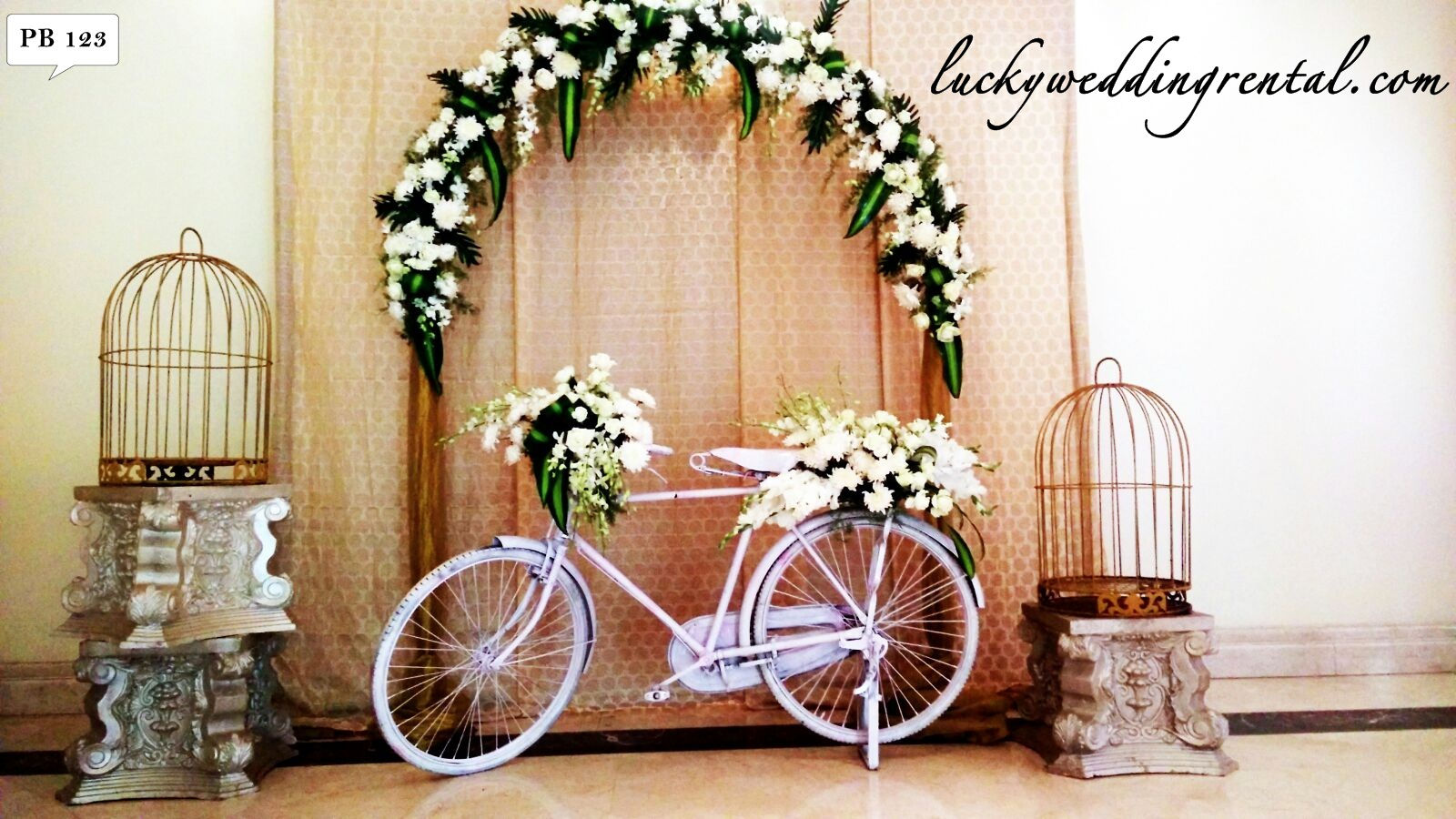 photo booth decorations on rent lucky wedding rental. Black Bedroom Furniture Sets. Home Design Ideas